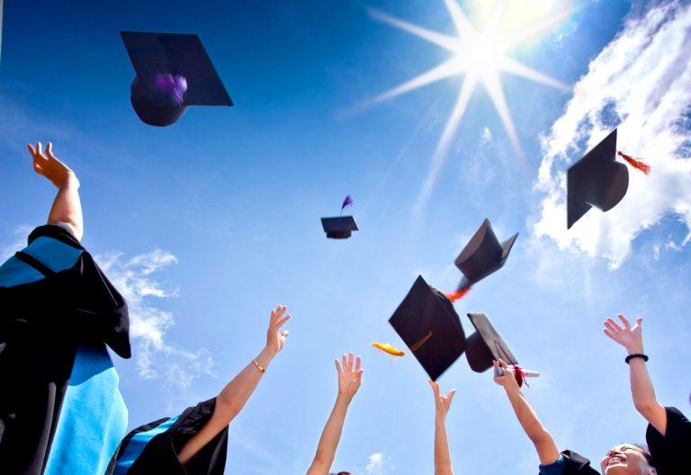 卒業祝い・就職祝いのお礼状の書き方|文例つき