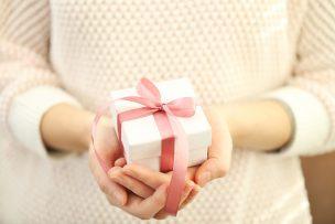 プレゼントのお礼メールに返信するときの文例集
