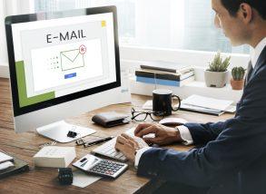初めての相手に送るビジネスメールの書き出し・締めの挨拶|例文つき