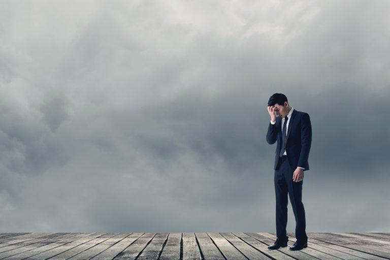 「悔恨・悔恨の念」の意味・使い方・類語(例文つき)|「後悔」との違い
