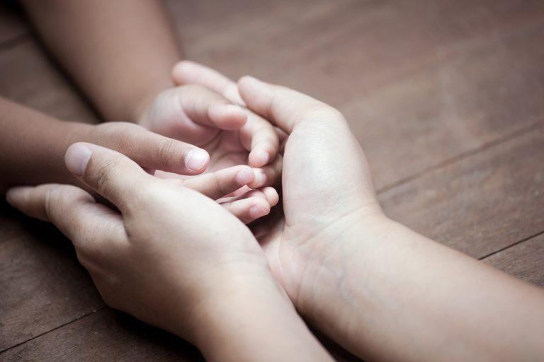 「老婆心ながら」の意味・使い方|目上への言い換え方や類義語・対義語は?