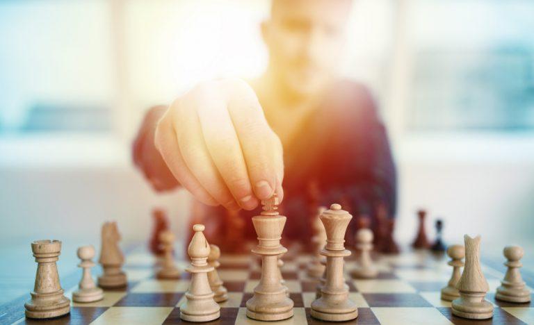 ビジネスでの「戦略・戦術・作戦・目標・目的」の違い・意味・使い方