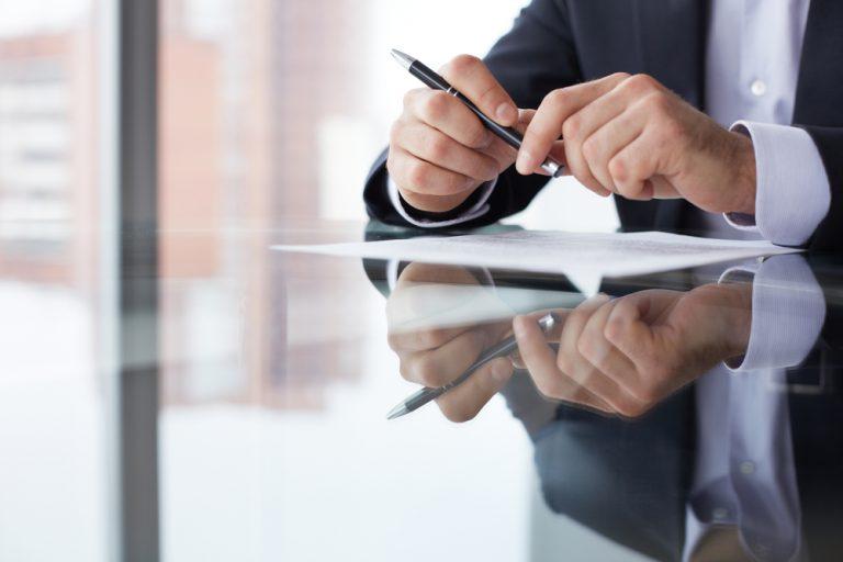 「皆様におかれましては」の意味・使い方|ビジネス文書・メールの例文つき