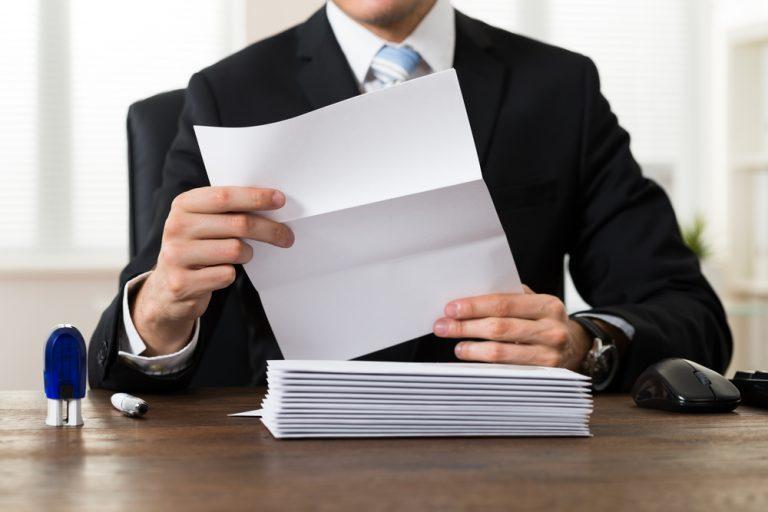 「突然の手紙で失礼します」の意味・使い方・手紙の例文つき